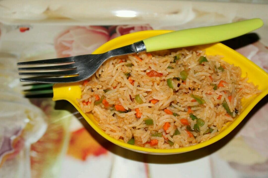 chezwan Veg Fried Rice : Prepare restaurant style schezwan fried rice quickly and easily at home!